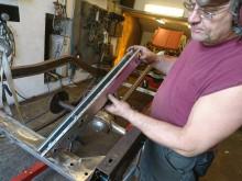 Jag tillverkar ett nytt ramavslut med isatta rörhylsor för stötfångarfäste