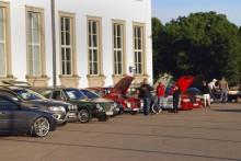 Alla Volvo är välkomna - både framhjulsdrivna och bakhjulsdrivna - till träffarna vid Sjöhistoriska Museet i Stockholm.