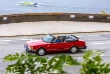 Våren 1986 i Monte Carlo, 2017 på Söder i Stockholm. Samma bilmodell och samma Kjell Bergqvist.