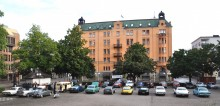 Tyska Torget i Norrköping bjuder på gott om plats mitt i stan för morgonpigga bilentusiaster.