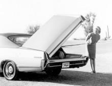Mercury Le Grand Marquis, en experimentbil 1968 där även halva skärmen följde med upp.