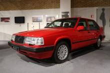 På Volvos museum i Göteborg står en röd 940 Turbo. Det är en av de sist tillverkade 940.