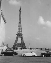 Porschen i Paris, för att ta den utomlands körde man på falska interrimsskyltar.