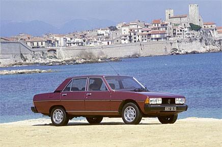 Pininfarina låg bakom 604:ans design. Under de tio år som modellen tillverkades var de exteriöra förändringarna mycket små.