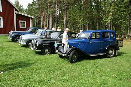 Brittiska bilar från alla epoker deltog.
