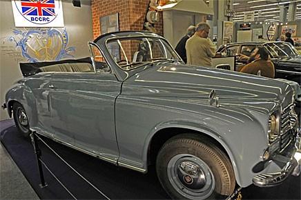 Rover P4 fanns väl inte som cabriolet? Jo, den här byggdes av Tickford på en ny bil 1950 och ställdes ut av franska British Classic Car & Rover Club. Konstigt namn, alla Rover är väl klassiker.