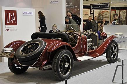En Alfa-Romeo 6c1750 i originalutförande ställdes ut av en försäkringsmäklare. Kanske den vackraste och intressantaste bilen på hela Rétromobile - men tyvärr en av de mest ouppnåeliga!