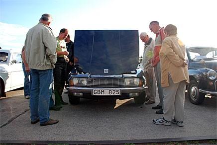Som ägare av NSU Ro80 möts man av många frågor. Östen Olofsson har 17 exemplar och brinner för att sprida läran om wankelmotorn.
