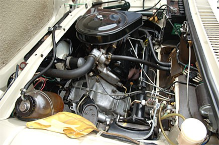 """Tvärställd motor med växellådan monterad på sidan. Så ser """"alla"""" bilar ut i dag."""