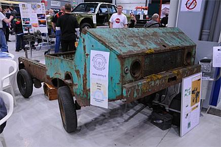 En finsk bil! 1966 försökte det statliga stålföretaget Mekes sig på fordonsproduktion. 12 stycken Mekes 4000 byggdes innan planerna skrinlades.