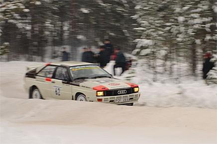 Erik Johansson tvingades bryta med sin Audi Quattro på Midnattssolsrallyt men i Finnskogsvalsen blev det en andraplacering.