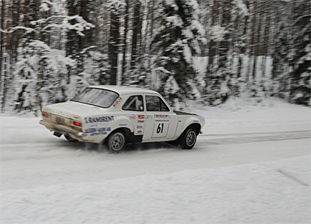 """Tony """"Roten"""" Jansson vann totalt och körde så fort vi inte ens kan få en riktigt bra bild på hans Ford Escort RS 2000."""