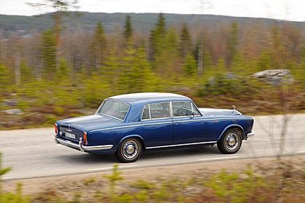 Kan det finnas lämpligare bil att sluka milen i Norrbotten med än en Rolls-Royce Silver Shadow 1969? Troligen inte.