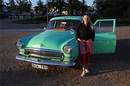 Underskatta aldrig prutförmågan hos unga tjejer. Nina Fällman från Vagnhärad hade prutat ner sin nyköpta Volga av obestämbar årgång från 19000kr till 13000kr. Sedan prutade hon 800kr till! En mycket ovanlig bilmodell är det i alla fall.