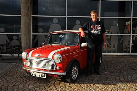 Bengt Svensson ställde ut sin Mini Cooper Picko Edition utanför museet.