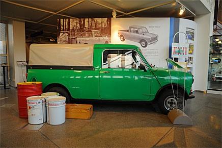 Hans Normans BMC 850 Pickup 1964 får representera den mängd av karossvarianter som Hundkojan fanns i.