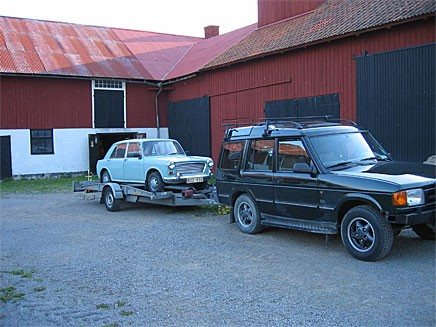 Tyvärr gick den inte in i Land Roverns baklucka, bara nästan.