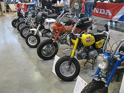 Ett knippe sköna monkey bikes i lite olika varianter.