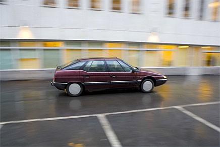 En pro-ohov-tu-uhu-r i högsta komfort men med en del motorryckningar. Snyggare profil är svårare att tänka sig i alla fall!