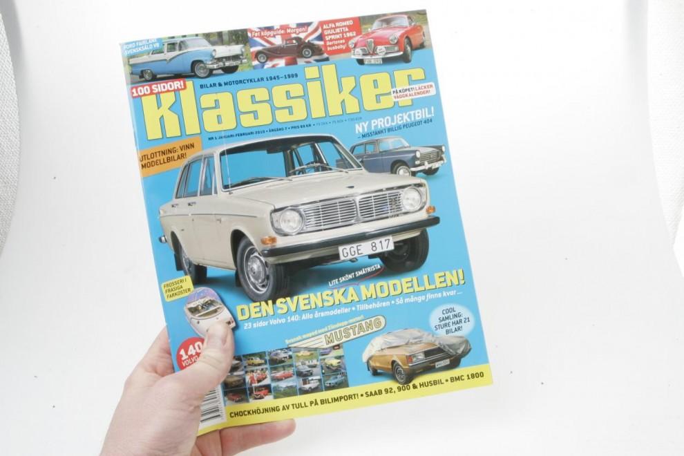 Tag fram det senaste numret av tidskriften Klassiker.