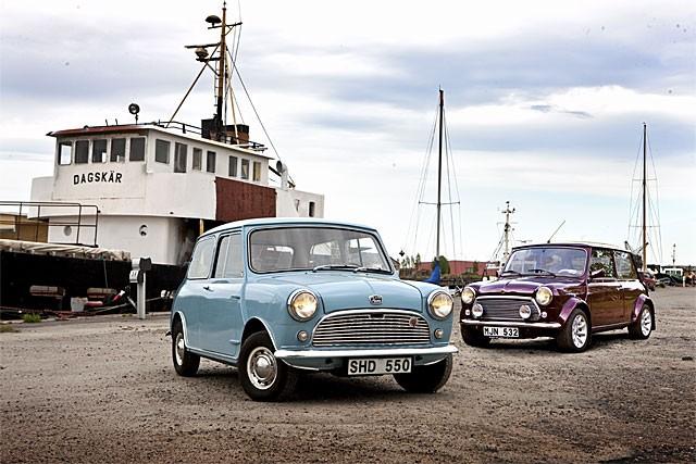 Austin 850 1959 och Rover Mini 40 1999 - samma bil men ändå skiljer nästan alla detaljer.