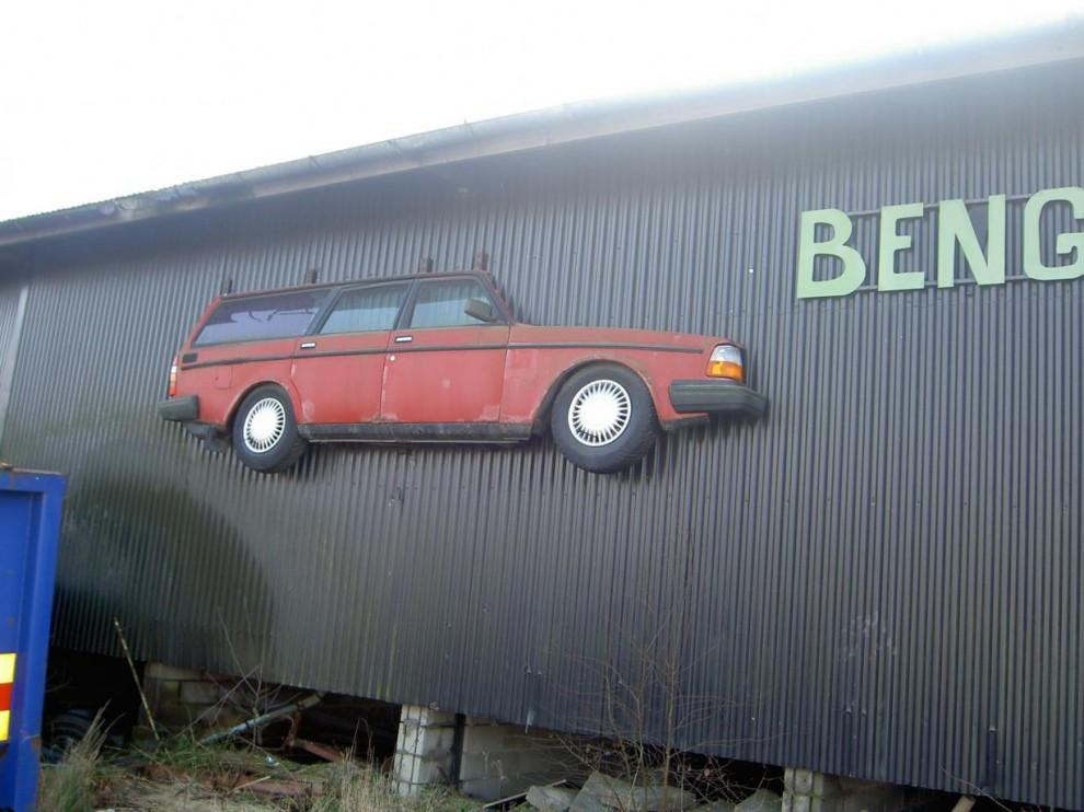 En bil att njuta av i tunna skivor. Per Helgesson är smal i sitt bilval. Den här hittade han i Hällesåker.