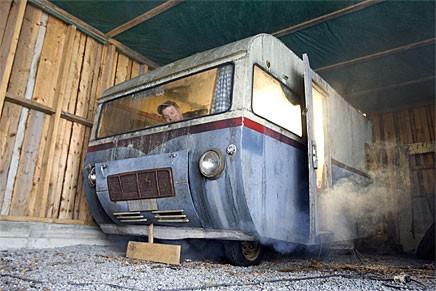 Husbilen lever! Vraket från skogen startat!