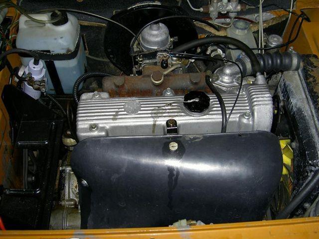 Tvärställd 1750-motor med enkel överliggande kam. Femväxlat!
