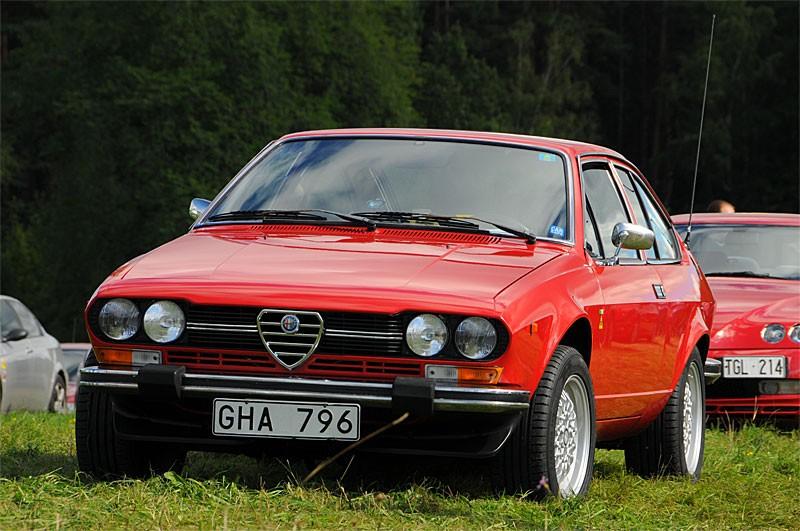 Extremt prydlig Alfetta GTV i originalskick.