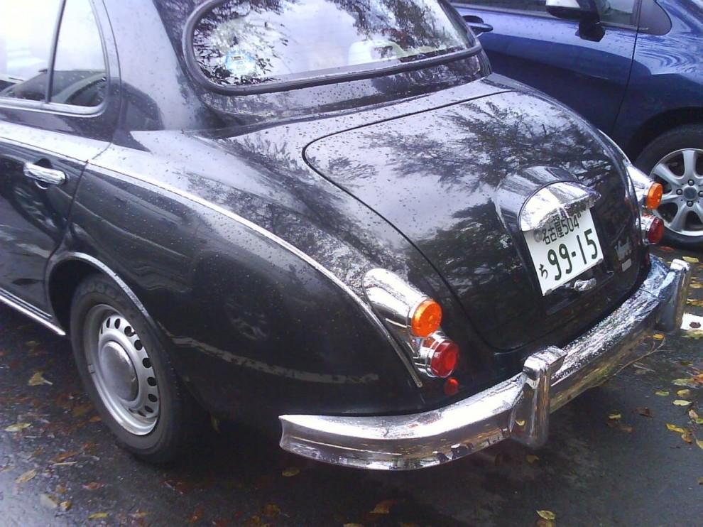 ... som bygger på Nissan Micra, se bakdörrarna till exempel.