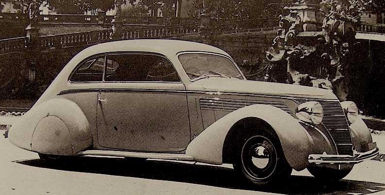 Påkostad 1100 från Pininfarina 1939 , grillen verkar dock vara hämtad från en Ford-