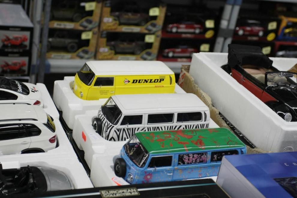 och små VW bussar