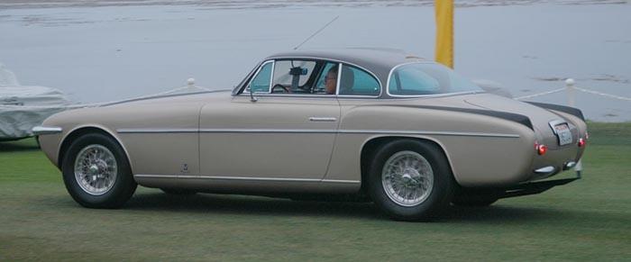 Ferrari 375 America 1953, Vignale-kaross. 12 exemplar byggdes totalt av 375 America modellen, varav en med små fenor på.