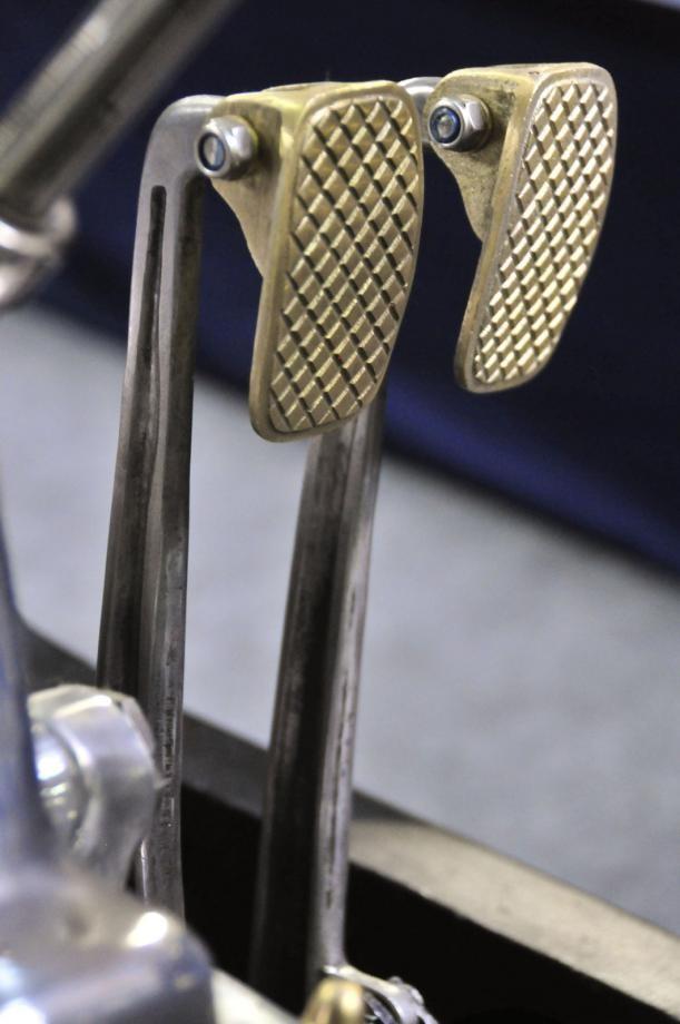 Även pedalerna på Ansaldo är konstverk fast han med buntbanden har tyvärr varit här och använt nylocmuttrar.