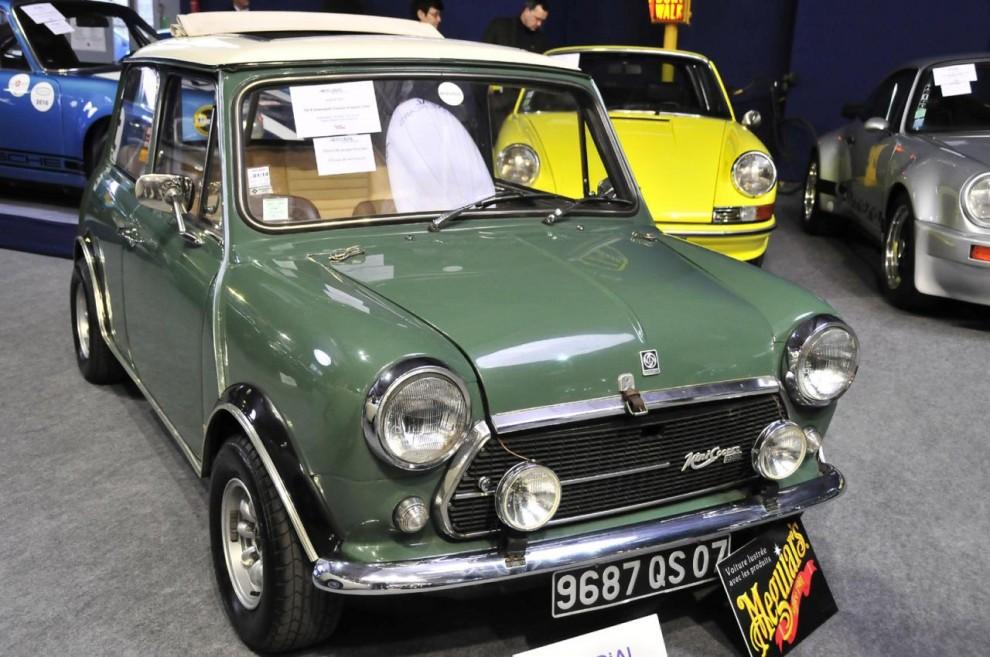 Aldrig såld ny i Sverige men på sin tid populär i Frankrike – en 1974 Innocenti Cooper Export licensbyggd av Lambrettatillverkaren i Italien. Detta var ett mycket påkostat exemplar. Mer än10 000 euro hade spenderats bara på delar och trimtillbehör. Såldes för 21 400 euro.