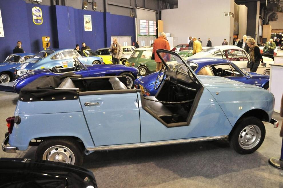 Något mer prosaisk är denna år 1965 till strandbil konverterade Renault 4. Troligen en prototyp eller förstudie till Plein Air, den R4 utan tak och dörrar som såldes genom Renault efter konvertering hos dotterbolaget Sinpar. En given succé vid R4:ans 50 års jubileum i höst. Såldes för 13 100 euro.