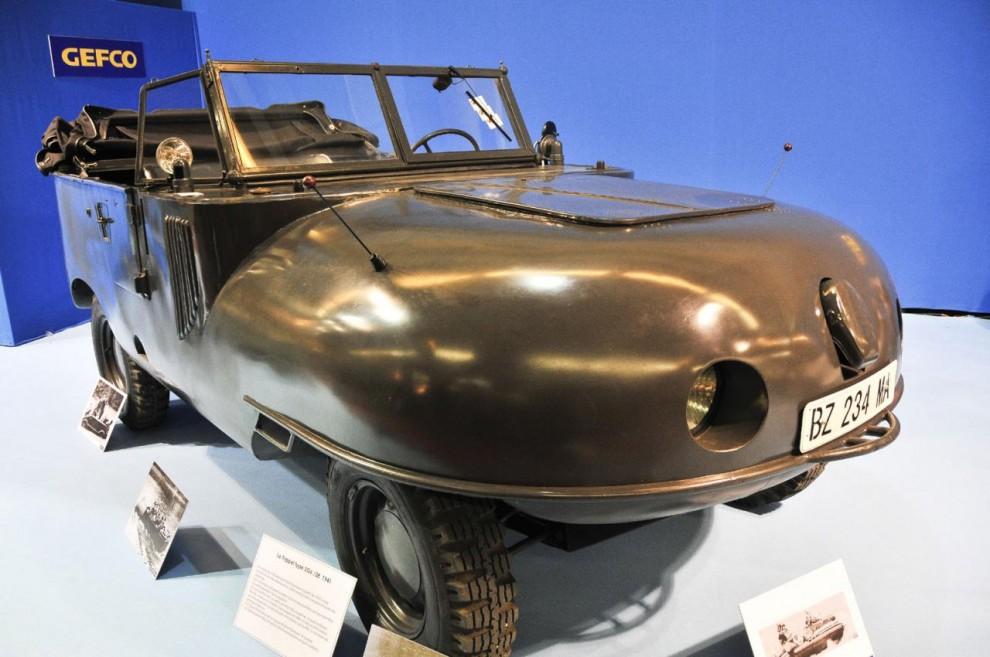 Ett specialtema i år var amfibiefordon och här är en Trippel SG6, ett tyskt militärfordon från andra världskriget. Den hade motor från Opel Kapitän och byggdes i 1000 exemplar, många i Bugattifabriken efter den tyska ockupationen av Frankrike. De flesta blev sönderskjutna.