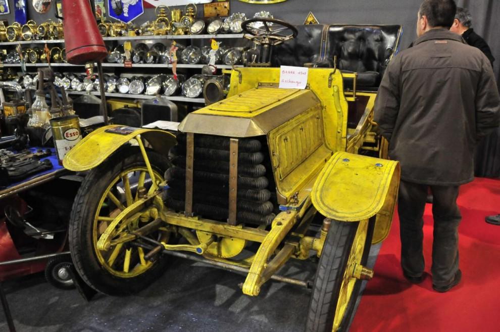 Vem har hört talas om bilmärket Barré?  Denna 03:a - alltså 1903 – var inte till salu, ägaren kunde bara tänka sig att byta mot något, oklart vad.