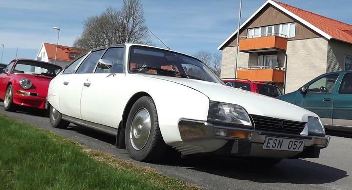 Marknaden är stor, Nossebro är det inte så gästande bilar trängs över hela staden. Bland de första jag sprang på var denna fina Citroën CX  från 1979