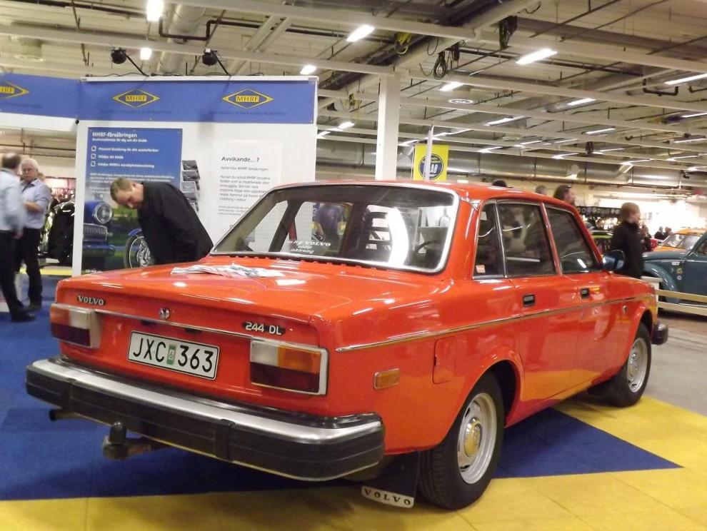 en annan Volvo som det pratats mycket om och dessutom vald till årets Klassiker, Johan Falcks knallorange 244DL från 1978 återfanns i MHRF:s monter.