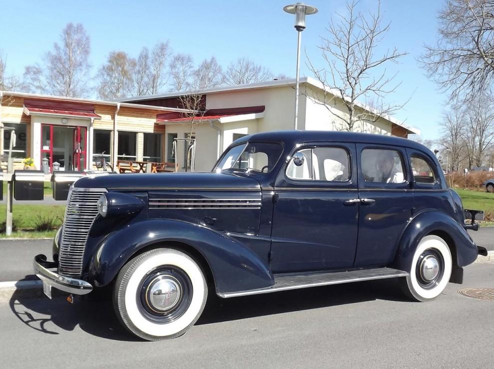 Och en fin Chevrolet årgång 1938