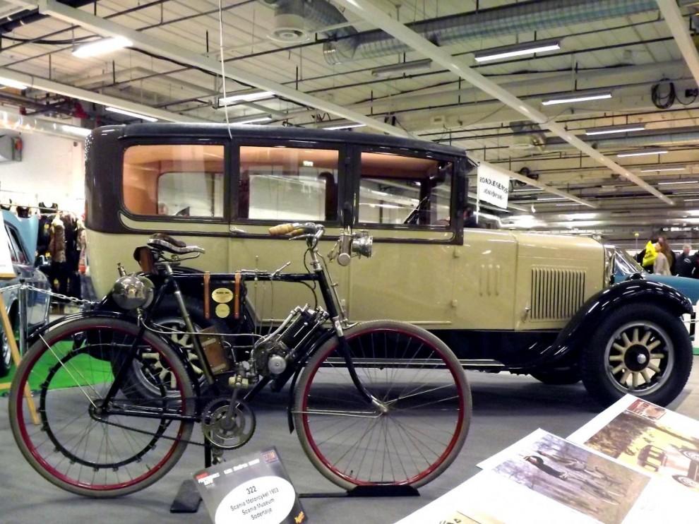 Ett äldre stycke svensk bilhistoria, Scanias museum i Södertälje ställde upp med bland annat denna motorcykel som firman byggde 1903.