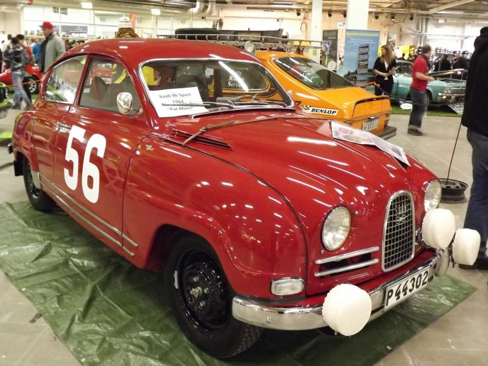 En del av saabs gedigna tävlingshistoria fanns på plats också, Saab sport 1964 en gång i tiden körd av Pat Moss.
