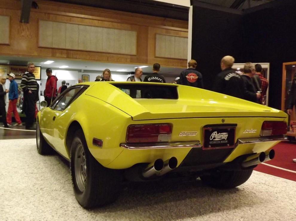 men det här är äkta vara, denna De Tomaso Pantera köpte Elvis ny 1971 och är utlånad från Petersens automotive museum