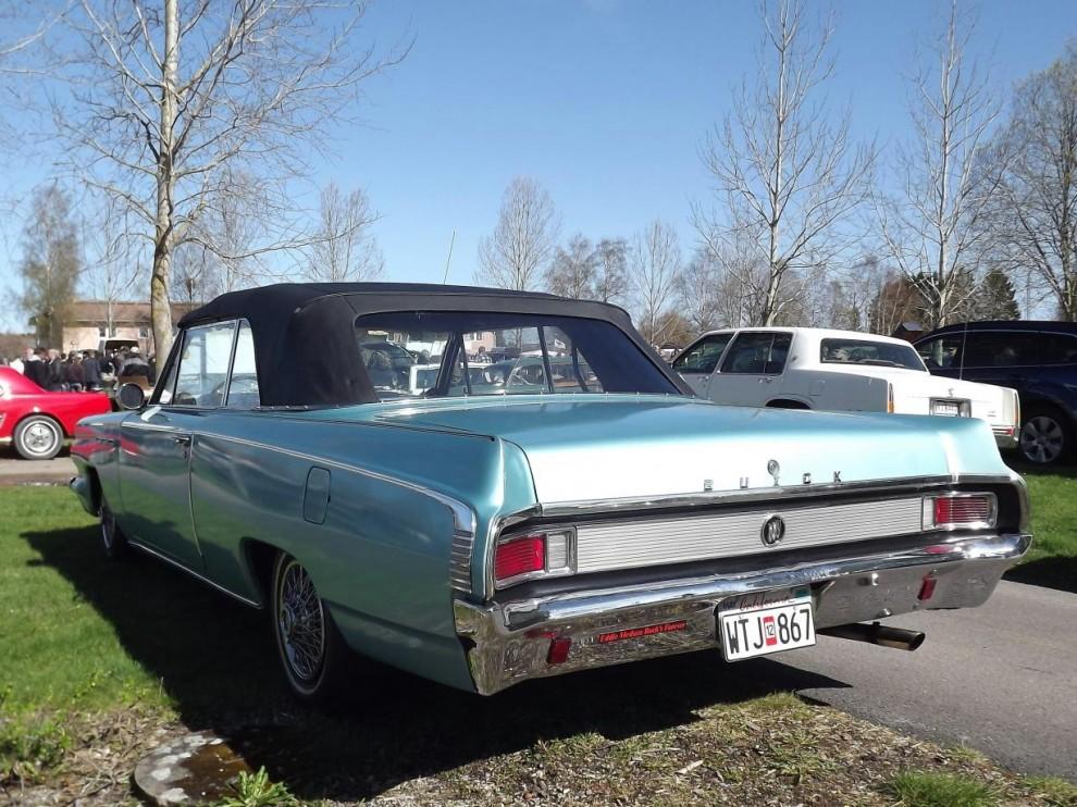 Udda jänk 1 Buick Skylark cabriolet, dessa tidiga mellanklassbilar från 60-talet ser vi inte så ofta i Sverige