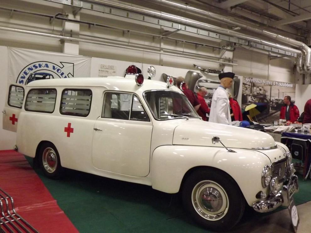 Och en Duett ambulans från 1960 med karosspåbyggnad från Grip.