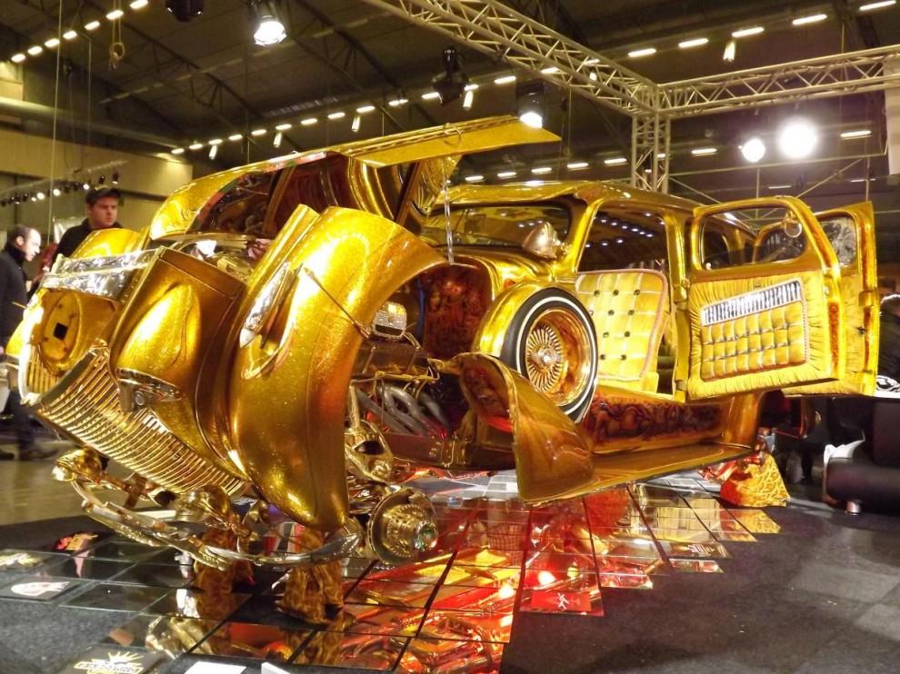 Denna gången visade han italienaren Attolico Lucianos Chevrolet 1939 ombyggd till något som inte lämnar någon oberörd, och uttrycket lagom finns inte på italienska.
