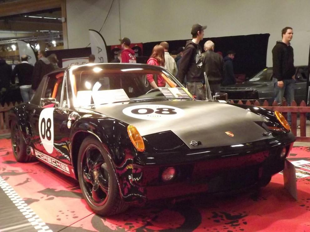 Och ett annat exempel . Detta är en modern Porsche Boxster som parats ihop med en 914. Inte bara ett intressant koncept, utan även intressant för att det är gjort av skolungdomar som projektarbete på Tumbagymnasiets fordonsprogram.