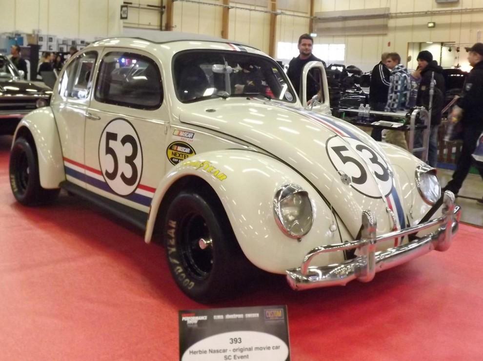 mer VW, Herbie goes Nascar.