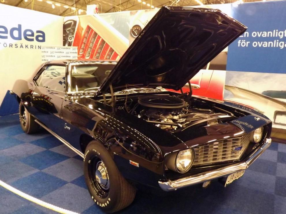 """och lika tuff Camaro 1969 byggd som COPO-clone med 427"""" står hos Svedea, som erbjuder förmånliga entusiastförsäkringar för våra bilar."""